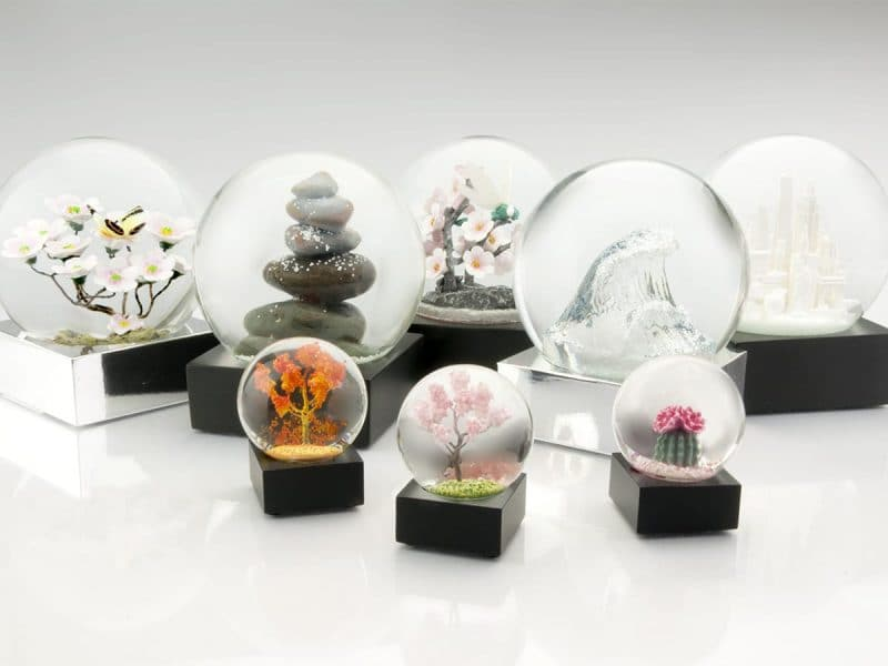 Snow Globes Make A Special Gift